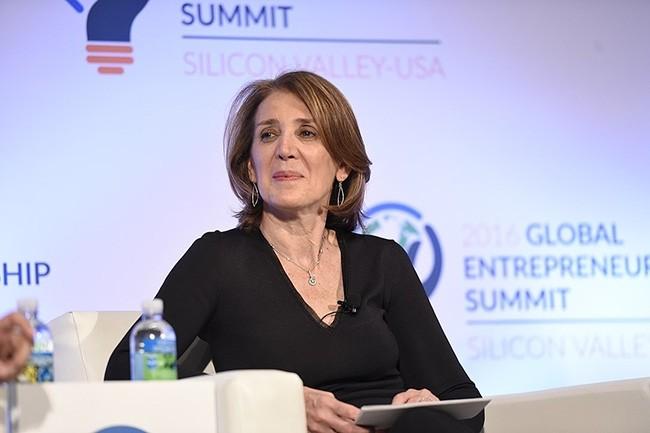 Ruth Porat, la directrice financière de Google, est co-signataire avec plus de 1 100 autres salariés de la lettre ouverte adressée à Google pour que l'entreprise prenne des engagements environnementaux forts. (Crédit : GES)