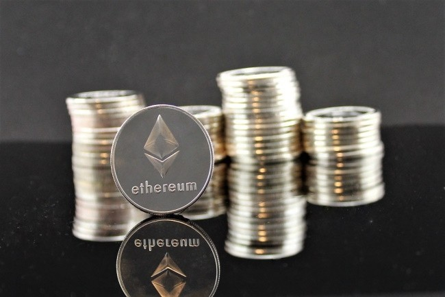 La spécification TTF basée sur la blockchain est issue de l'EEA (Enteprise Ethereum Alliance). (Crédit Photo : Crypto360/VisualHunt)