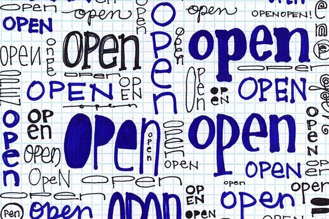 Les biens communs induisent une rivalité, les biens publics non. Les projets open source sont à la fois des biens publics et communs. (Crédit : opensourceway / Visualhunt)