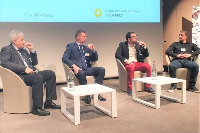 L'IT Tour 2019 à Reims a débuté avec un débat consacré à l'IA avec en plateau (de gauche à droite) : Jean-Louis Amat (expert en application Industrielle IA), Anthony Hié (DSI & Directeur Digital de l'ESCP Europe), Benjamin Marlé (Datascientist freelance) et Sébastien Loillieux (chef de projet informatique chez VitiBot). crédit : LMI