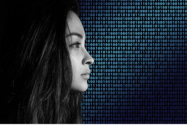 L'enquête Gender Scan met encore une fois en évidence la sous représentation des femmes dans le secteur du numérique en France. Crédit. Pixabay/Geralt.
