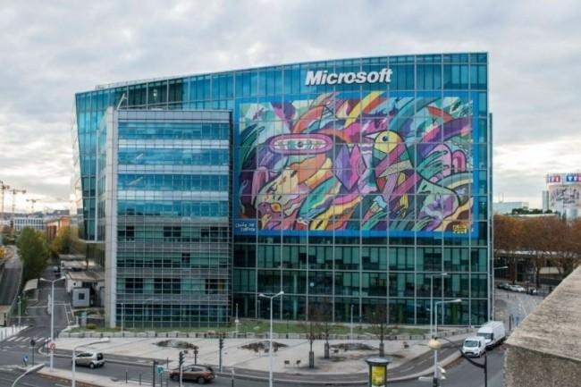 Microsoft fait régulièrement condamner des contrefacteurs de ses logiciels. Sur son site, l'éditeur dispose d'un espace où les clients ayant acheté sans le vouloir des versions frauduleuses de ses logiciels peuvent le lui signaler. (Illustration : D.R.)