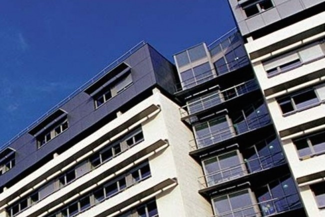 Le centre hospitalier universitaire de Rouen gère 2 400 lits et accueille pendant la semaine de nombreuses consultations et interventions en ambulatoire. (Crédit : CHU Rouen)