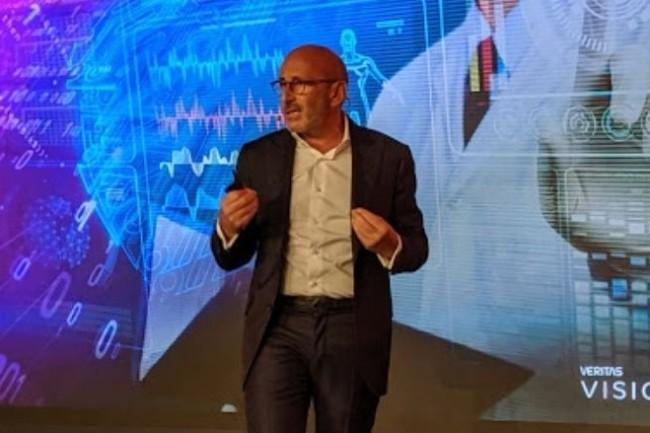 « Les entreprises veulent simplifier leur IT qui devient de plus en plus complexe avec l'IA, le multicloud, la conteneurisation », a expliqué Jean-Pierre Boushira, vice-président Europe du Sud de Veritas. (crédit : D.F.)