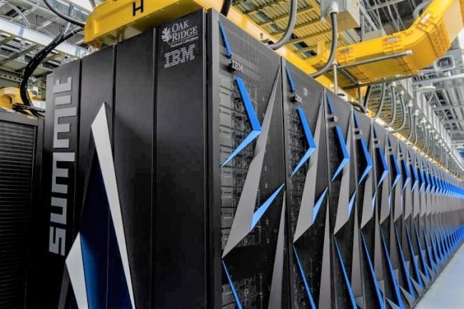 Avec une puissance de 148,6 pétaflops le système Summit du Laboratoire national Oak Ridge aux Etats-Unis conserve la tête du classement Top500. (crédit : Oak Ridge)