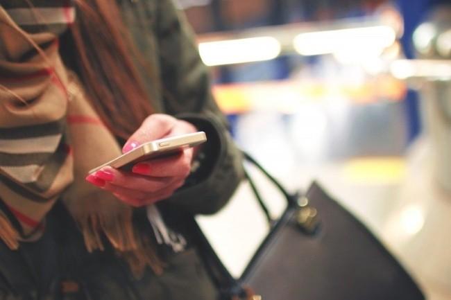 Les ventes de smartphones sont en hausse au T3 2019 (Source : VisualHunt)