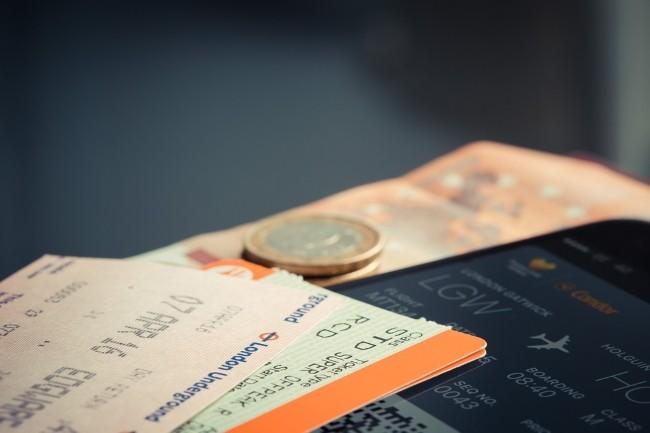 La cyberfraude aux billets d'avion coûte plus de 1 milliard de dollars par an au secteur aérien. (Crédit Photo: StockSnap/Pixabay)
