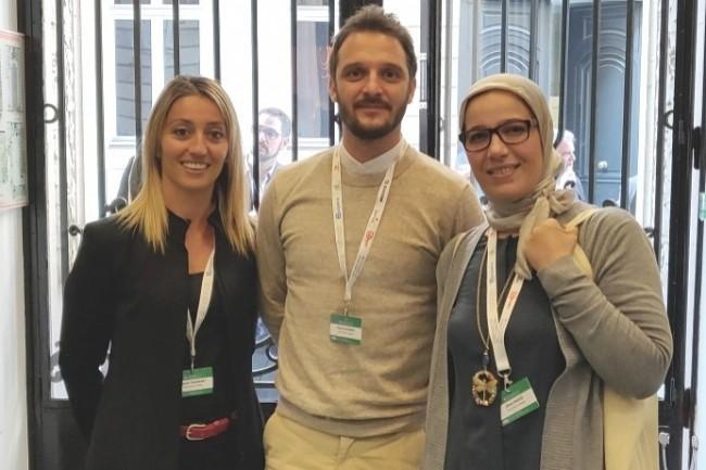 De gauche à droite, Manon Tournant, Pierre Lecomte et Jihan Faouzi : « La base de connaissances aide Total Direct Energie à offrir une relation client de qualité ».