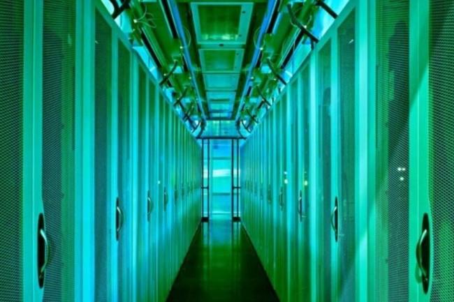 Le datacenter HPC Energy Systems Integration Facility du National Renewable Energy Laboratory récupère 97 % de la chaleur émise par ses superordinateurs pour chauffer les locaux situés à proximité. (crédit : D.R.)