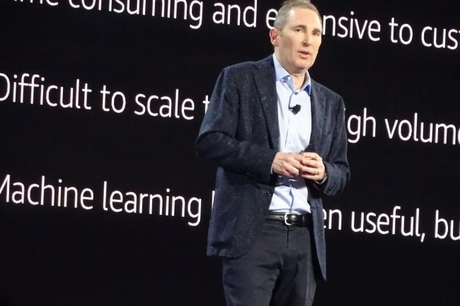 Andy Jassy, CEO d'Amazon Web Services, a dédié une grande partie de son intervention au machine learning. (Crédit Photo : Jacques Cheminat)