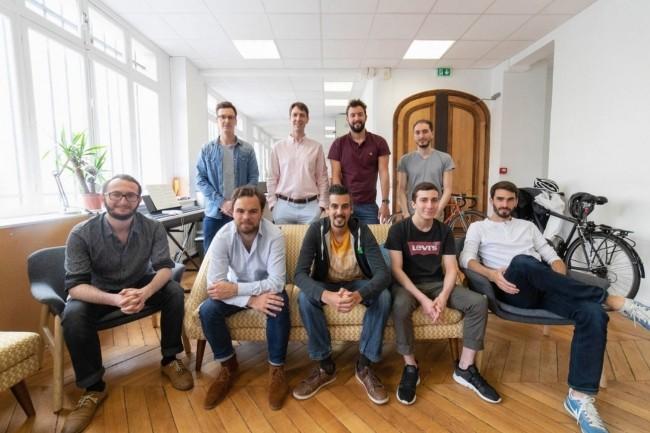 La start-up Forest Admin, co-fondée et dirigée par Sandro Munda. (au centre au premier rang) vient d'obtenir un second financement. Crédit. Forst Admin.