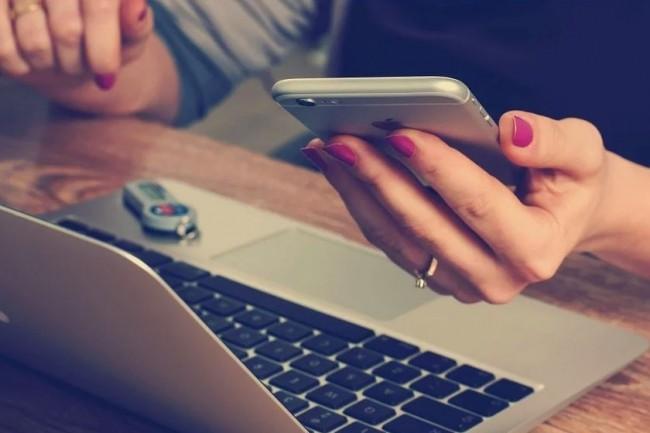 En France, la moitié des femmes de la high tech citent le manque de modèles féminins comme l'un des plus grands défis a relever, selon l'enquête Women in Tech d'Ivanti. Crédit: Pixabay/FirmBee.