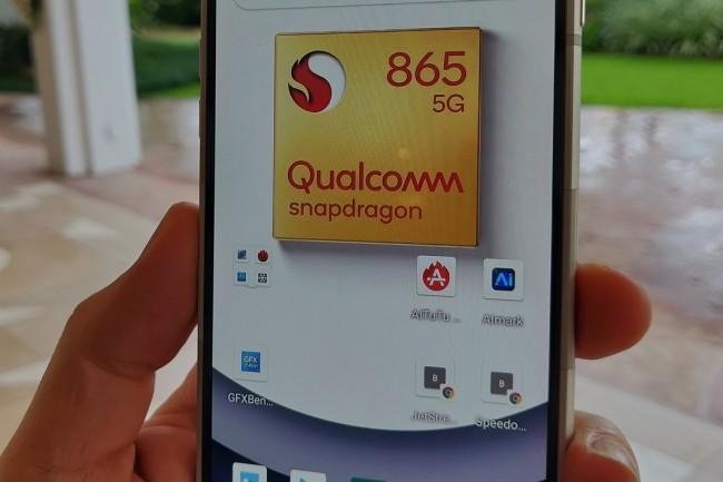 La puce Qualcomm Snapdragon 865 apporte bien une réelle hausse des performances, mais moins que la génération précédente. (Crédit M.Hachmann/IDG)