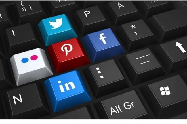 Particulièrement adapté aux profils pénuriques,  le recours aux réseaux sociaux est une tendance qui se généralise auprès des recruteurs de l'Hexagone. Crédit: Pixabay.
