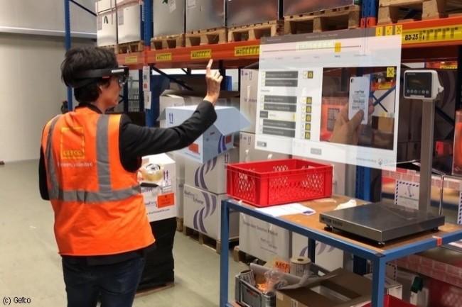Grâce à la réalité augmentée, les employés de Gefco peuvent directement visualiser l'information utile, gagnant du temps lors des contrôles qualité.