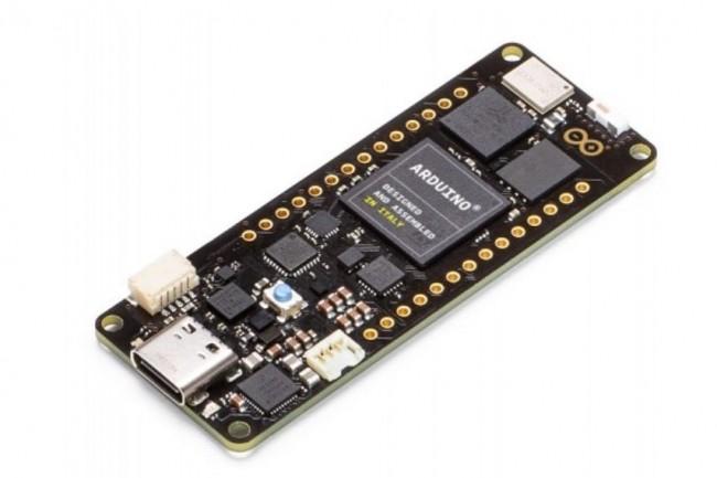 La carte Portenta H7 embarque des puces ARM Cortex-M7 et Cortex-M4. (crédit : D.R.)