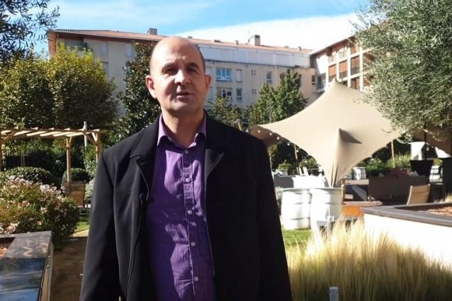 Olivier Xicluna (responsable des achats publics IT du groupement hospitalier UniHA) sur l'IT Tour Aix en Provence organisé à l'Hôtel Renaissance le 3 octobre 2019. (crédit : LMI)