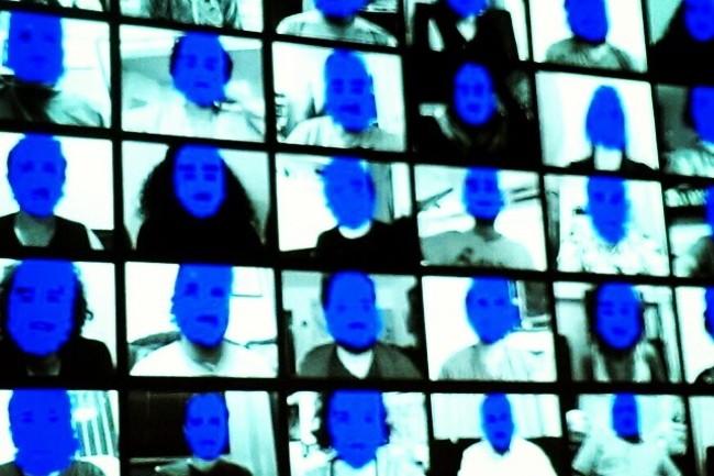 Clearview AI dispose d'une banque de 3 milliards d'images récoltées sur les médias sociaux. (Crédit Photo : DR)