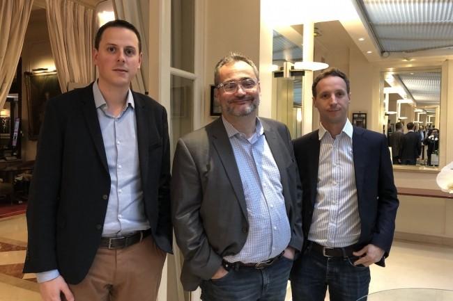 Matthieu Douvenou, responsable de l'activité France, Guillaume Vives, Chief Product Officer, et Olivier Duprey, ingénieur ventes, de BlueJeans lors d'un point presse à Paris fin 2019. (Crédit S.L.)
