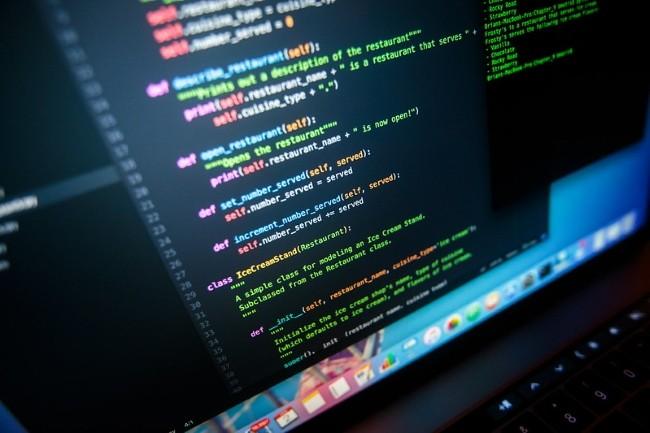 Suite à une demande, la NSA a livré à un développeur son matériel de formation à Python. (Crédit Photo : Brianjamtis/VisualHunt)