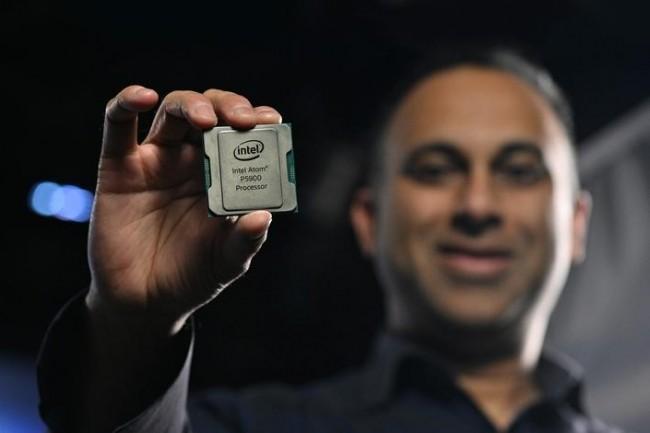De type SoC, la puce Atom P5900 accélère les chiffrements de paquets grâce à un commutateur Ethernet interne de la série 8000. (Crédit Intel)