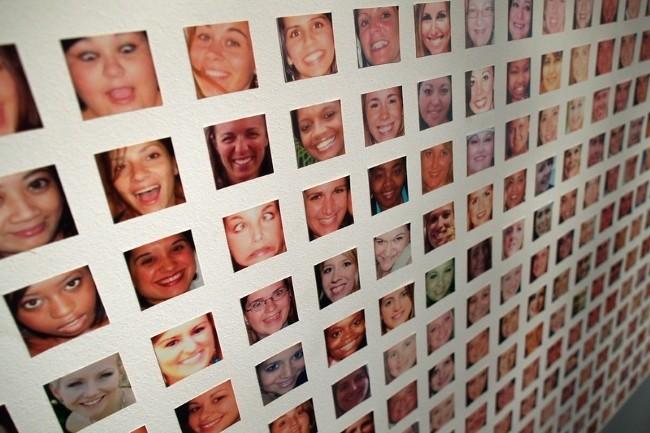 Une juridiction administrative a invalidé l'expérimentation de reconnaissance faciale de contrôle d'accès à deux lycées. La région PACA devra revoir sa copie. (Crédit Photo : Ars Technica/Visual Hunt)