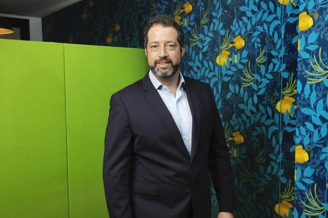 Vice-président EMEA chez Nutanix, Sammy Zoghlami pilote le développement du spécialiste des infrastructures hyperconvergées. (Crédit Thierry Levi)