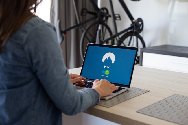 Le coronavirus oblige  salariés obligés de se connecter à leur entrepris avec un VPN. (Crédit Pixabay)