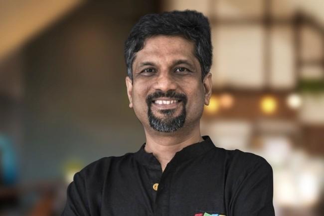 « Nous voulons vous aider à vous remettre sur pied », a lancé le co-fondateur et CEO de Zoho, Sridhar Vembu, dans un message vidéo aux TPE/PME touchées par les conséquences du SARS COV-2 sur leur activité. (crédit : IDG)