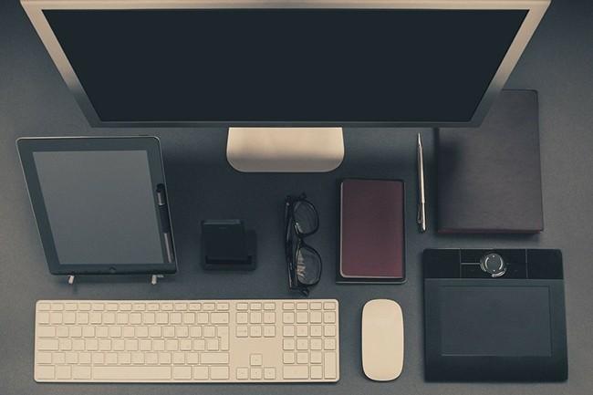 La demande pour des équipements liés au poste de travail a connu un pic qui ne se répètera pas, à priori. (Crédit : Free-Photos / Pixabay)