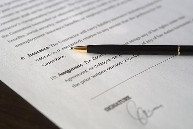 Dans l'étude menée par Tech in France, un éditeur sur trois remonte des problèmes de clients cherchant à renégocier ou annuler leurs contrats pluriannuels. (Crédit : edar / Pixabay)