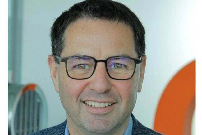 Dans le contexte actuel de confinement et de télétravail intensif, une forte connectivité au cloud des réseaux définis par logiciel est attendue nous a expliqué Franck Morales, directeur marketing des services de connectivité chez Orange Business Services. (crédit : D.R.)