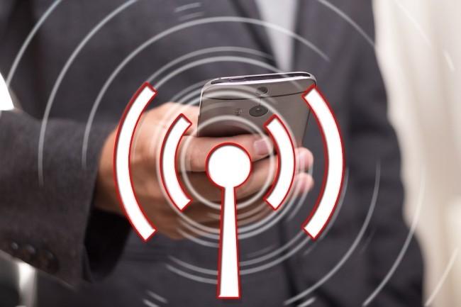 En cas d'absence de connexion Internet fixe, un smartphone Android peut devenir un point d'accès WiFi en partageant sa connexion cellulaire. (Crédit Photo : Geralt/Pixabay)