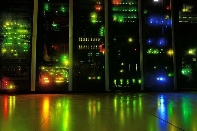 En 2018, ce sont 33 zettaoctets (33 000 milliards de To) de données qui étaient stockées dans le monde. (Crédit : kewl / Pixabay)