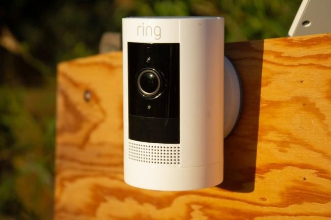 La Ring Stick Up Cam Battery peut être installée à peu près n'importe où du moment qu'elle capte le WiFi. (Crédit IDG)
