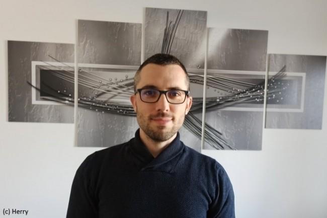 Camille Herry, Administrateur systèmes et réseaux à l'Université de Lorraine, a présenté un projet de collaboration totalement en interne.