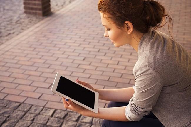 Les tablettes dites « ardoises », dont les volumes sont plus importants, ont vu de leur côté leurs expéditions diminuer de 36,4% par rapport au premier trimestre 2019. (Crédit : Free-Photos / Pixabay)