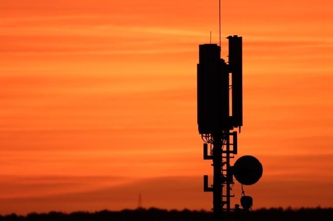 En rachetant Metaswitch Network, Microsoft étend son offre 5G sur Azure à destination des opérateurs de téléphonie mobile. ( Crédit Photo : OnkelGlocke/Pixabay)