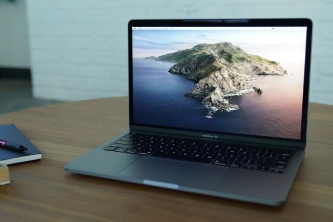 Le MacBook Pro 13 pouces mise beaucoup sur le Magic Keyboard et sur de meilleurs performances notamment graphiques. (Crédit Photo : IDG)