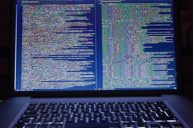 L'exploitation de la faille CVE-2019-10149 a permis d'exécuter à distance sur une machine cible du script shell malveillant à partir d'un domaine contrôlé par la Team Sandworm. (crédit : Markusspiske / Pixabay)