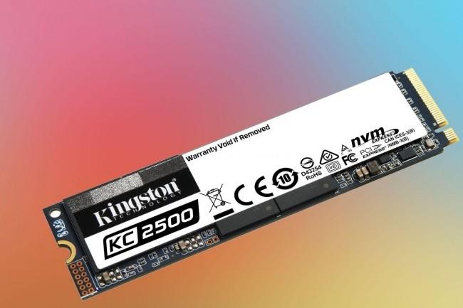 Le Kingston KC2500 NVMe travaille fort bien avec les gros fichiers, mais ne coûte pas un bras et une jambe.(Crédit Kingston)
