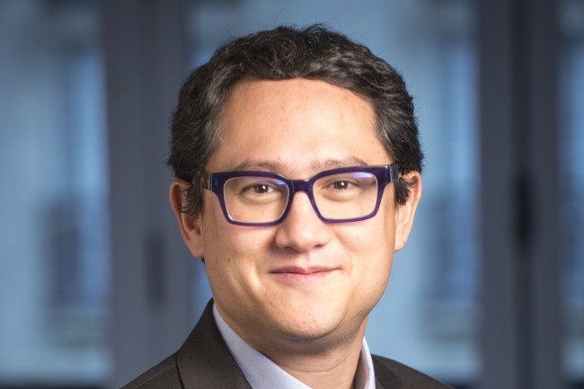 Olivier Nguyen Van Tan, vice-président marketing chez Salesforce France, pointe trois phases dans la gestion de la pandémie Covid-19.