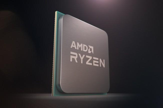 Concurrent du Core i7 10700K d'Intel (388€ HT), le Ryzen 7 3800XT affiche un prix plus serré et bénéficie de l'interface PCIe 4.0 avec le chipset X570. Seule sa gestion capricieuse de sa mémoire vive le dessert. (crédit AMD)