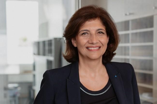 « La réaction à avoir est d'instaurer immédiatement les clauses types dans les contrats », indique Christiane Féral-Schuhl, avocat associé du cabinet Féral-Schuhl / Sainte-Marie et présidente du Conseil National des Barreaux.