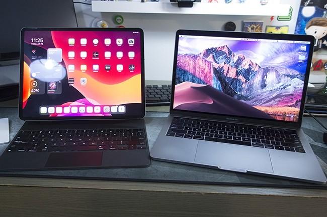Contrairement à ce qu'il annonce dans sa communication, Apple a encore beaucoup à faire pour que l'expérience sur iPad atteigne celle du MacBook. (Crédit : Michael Simon / IDG)