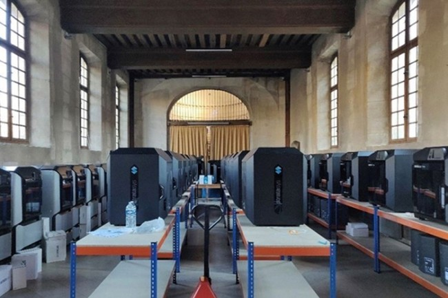 Les imprimantes 3D ont �t� install�es dans l'abbaye de Port-Royal, b�timent historique voisin de l'h�pital Cochin.