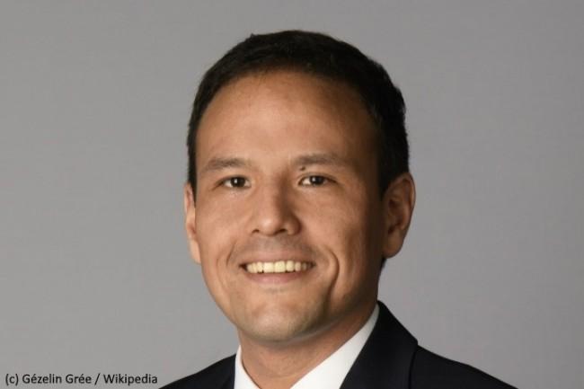 Cédric O demeure secrétaire d'État chargé des sujets numériques mais avec une compétence officiellement élargie.