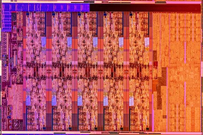 Le die de l'Intel Core i9-10850K Comet Lake S est principalement occupé par les 10 cœurs x86. (Crédit Intel)