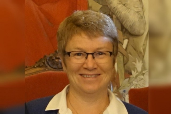 Christine Pichon, DSI du CHU de Rennes, apprécie la fiabilisation et la réduction des coûts des flux de courriers médicaux grâce à la dématérialisation.