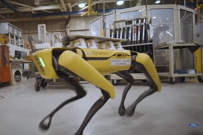 Le robot chien Fluffy va arpenter l'usine de Ford dans le Michigan pour scanner l'environnement afin de documenter les changements. (crédit : Ford)